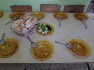 La qualité des repas servis aux écoliers notamment dans les régions où le controle fait défaut reste à désirer.
